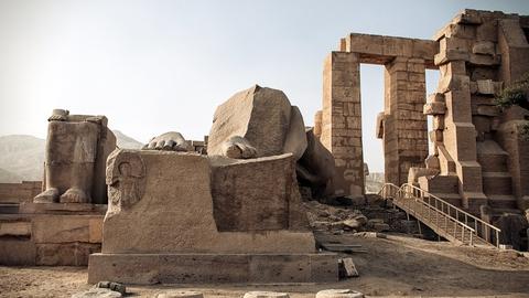 Ramesseum-mindetemplet for Ramses II, Ozymandias på græsk. (Foto: Christopher Michel via Flickr/Creative Commons)