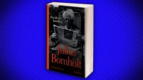 'Julius Bomholt' er udkommet på Gads Forlag. 616 sider.