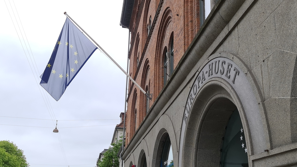 Den danske EU-debat er blandt de steder, der er hårdt ramt af en ubehagelig tendens, skriver Ota Tiefenböck. Billede fra Parlamentets og Kommissionens repræsentation i København.