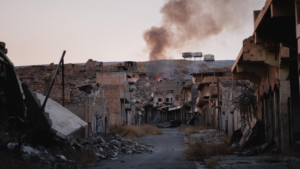 Ruiner af byen Sinjar. Foto: Levi Clancy, Wikipedia