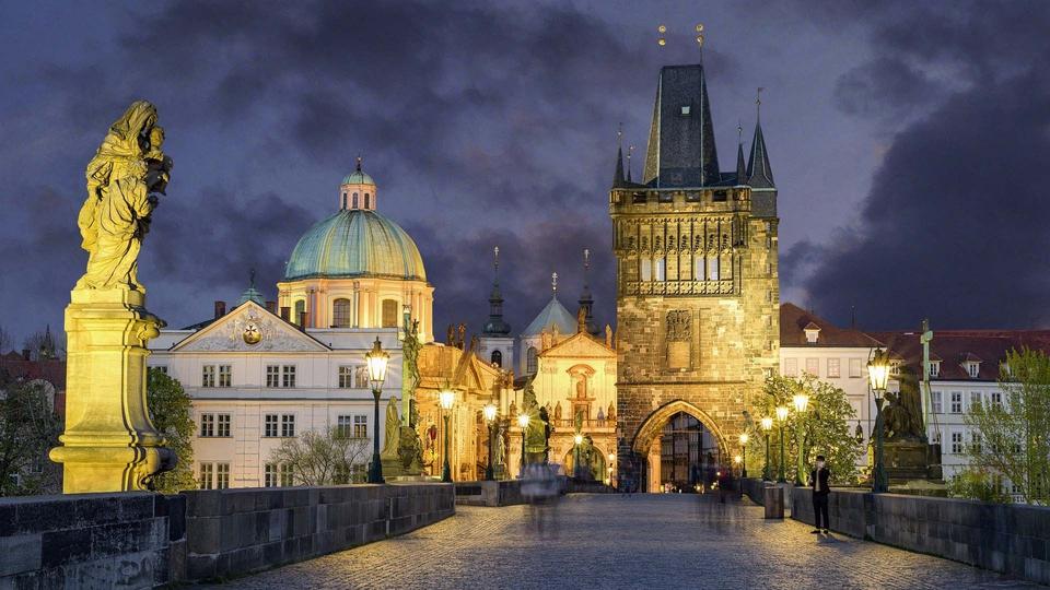 Billede fra Karlsbroen, Prag (Foto: Pixabay)
